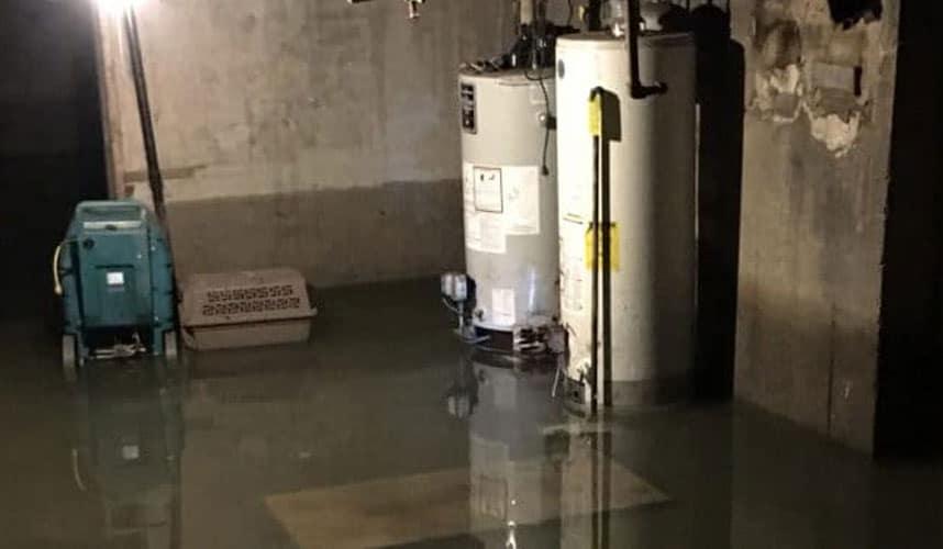 Άντληση υδάτων από υπόγεια